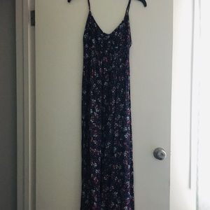 GAP Dresses - EUC Gap purple floral maxi dress XS